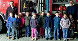 Kindergarten Wirbelwind zu Besuch bei der Feuerwehr Sachsenhagen