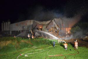Brennende Lagerhalle Wiehagen 3